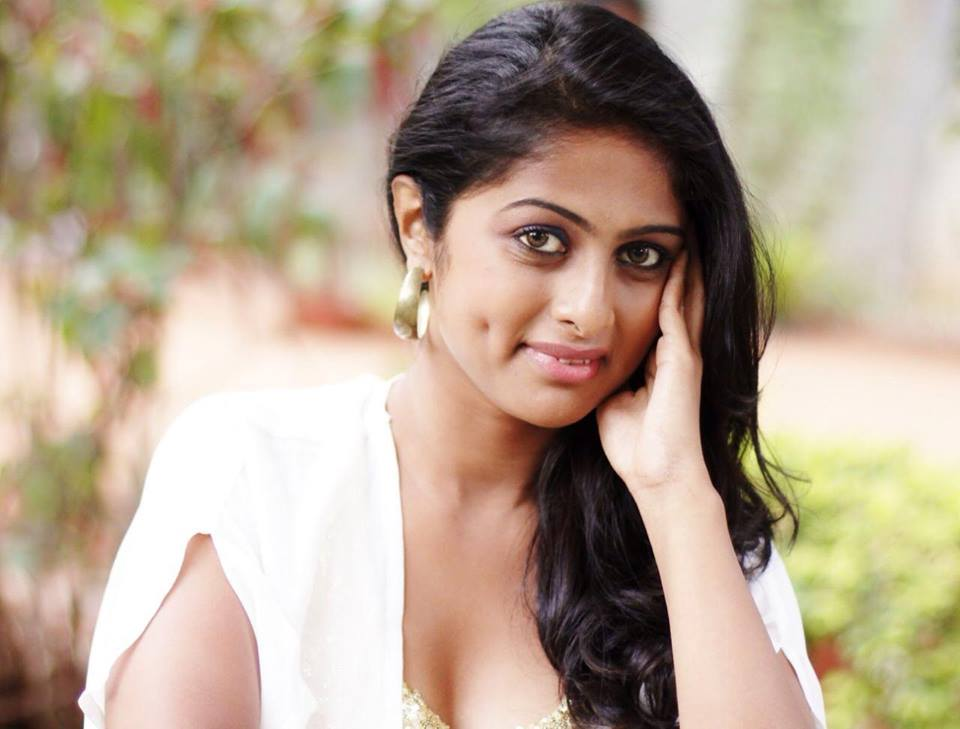 Vinutha-lal-hot-image-005